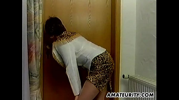 Homemade amateur anal threesome with busty girl...