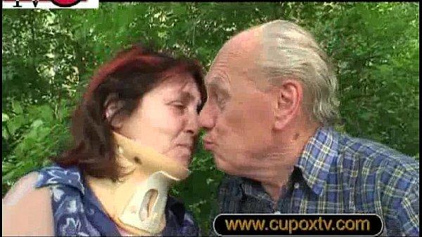 Deutsche Oma Gera und Opa Heinz ficken das erste Mal vor der Kamera
