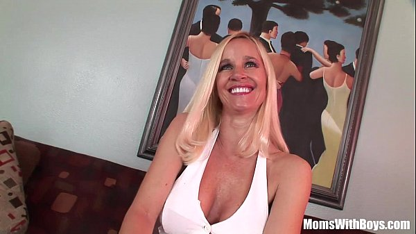 MILF Totally Tabitha Big Tits And Succulent Pus...