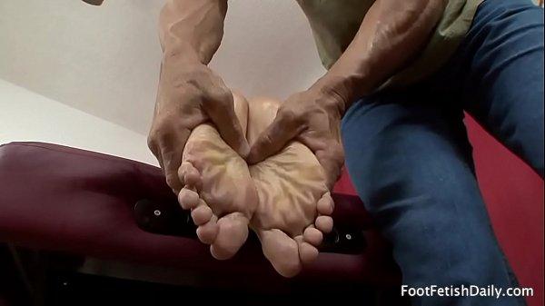 Jade Nacole & muscular masseur Lee Stone