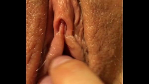 Cumshot on wet closeup pussy.MOV