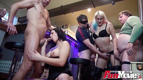 Huge real amateur swingers orgy