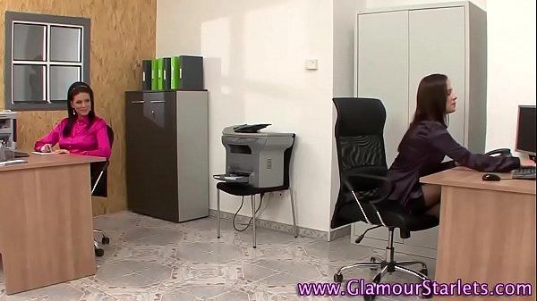 Glam babes masturbate