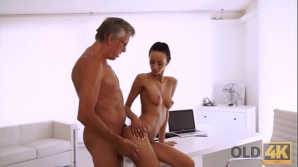 OLD4K. Quick sex is the way old guy and his secretary relax after work Thumb