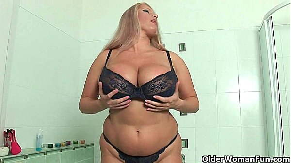 BBW mom with massive tits fucks herself with a dildo