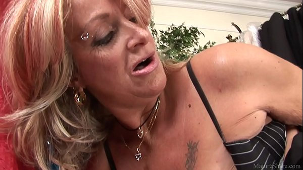 Dazzling granny pleasing her boss and making hi...