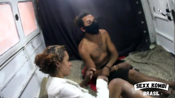 Cracuda defies Covid-19 and fucks without a condom in the van (Full in XV RED