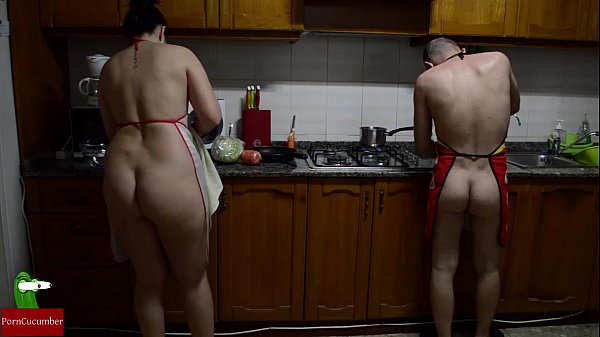 Good pussy preparing in the food stove nude are