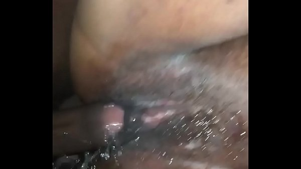 redbone-squirting-that-pussy