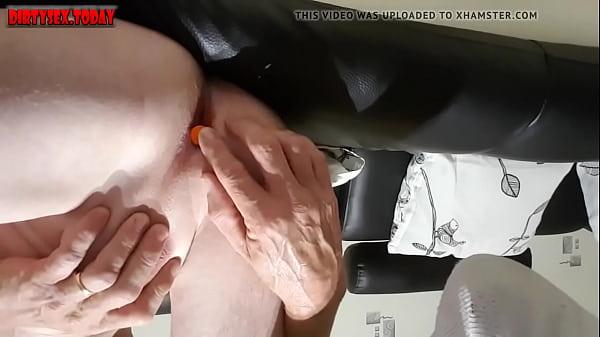 Masturbating A fond dans mon cul