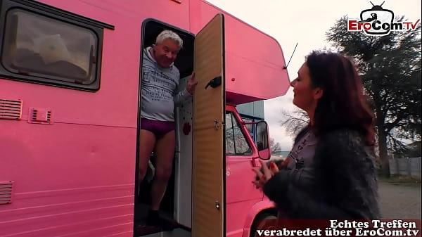 Deutsche Hausfrau macht Sextreffen im Wohnwagen