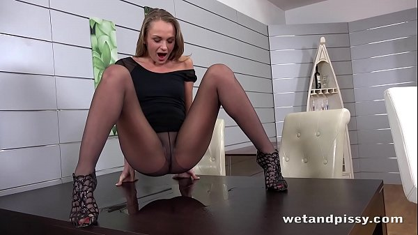 Sexy Girl Peeing - Wet Pantyhose and Hot Mastur...