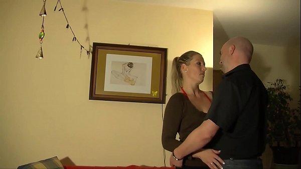 Junges Ehepaar fickt nach putzen - HD