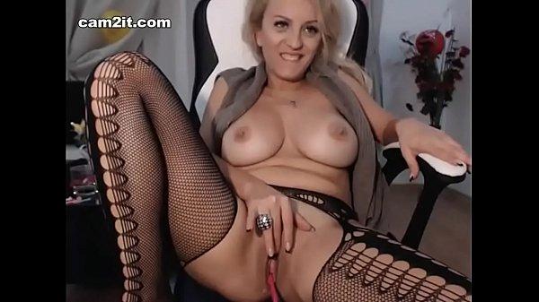 Flirtatious Milf Sexy Masturbation - Cam2it.com