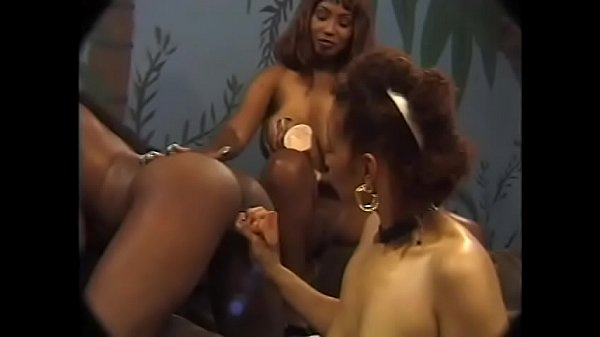 Three amazing hot lesbo babes are douing themse...