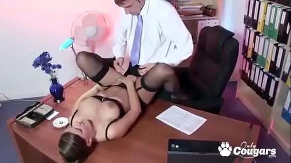Mature MILF Magda Slides Her Gstring To The Sid...