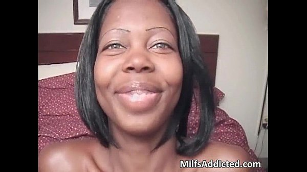 Ebony MILF with pretty face goes for POV