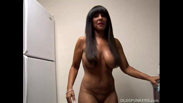 Big tits amateur cougar
