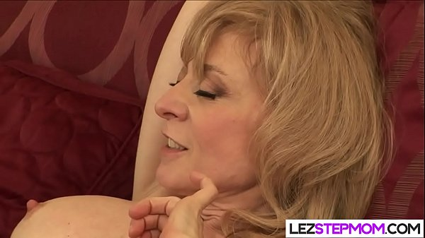 Spreading her legs for her horny stepmom Thumb