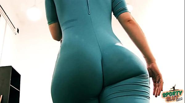 Bubble Butt Tiny Waist Teen Has Big Cameltoe In Lycra Bodysuit.
