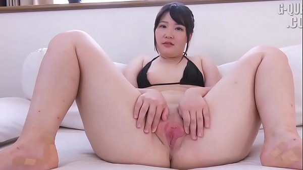 JAV - Yuna Uryû The vagina is very big,ruddy an...