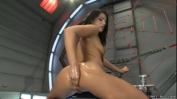 Solo anal queen fucking machine Thumb