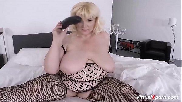 sexy bbw mature masturbating on cam