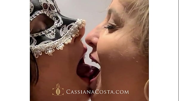 Another normal day, go for a walk with her husband and we ended up playing with Danny Secretinha and her friend! - https://onlyfans.com/cassianacosta