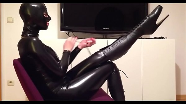 crazyamateurgirls.com - Mask, Catsuit, Ballet Boots & Corset - crazyamateurgirls.com Thumb