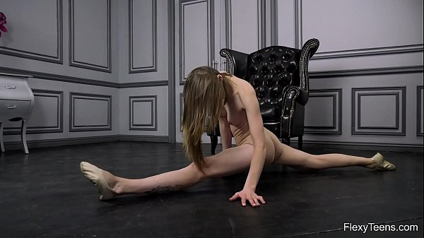Naked gymnast Klara Lookova spreading