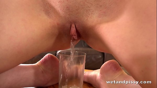 Wetandpissy - Watch this sexy girl peeing and playing with her warm juices