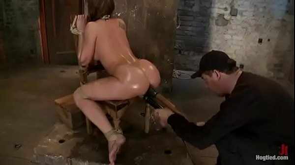 Squirting makes her ass open
