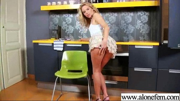 Amateur Kinky Girl Use All Kind Of Stuff Till Climax clip-26 Thumb