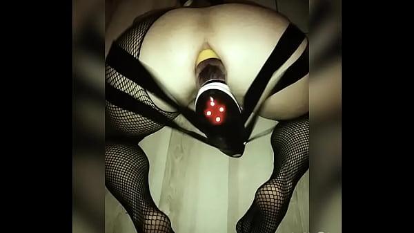 Giant dildo vibration ín my ass