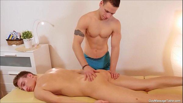 Sikiş masaj sarışın ablasına