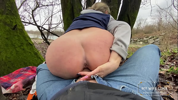My husband breaks my ass while we take a walk by the river