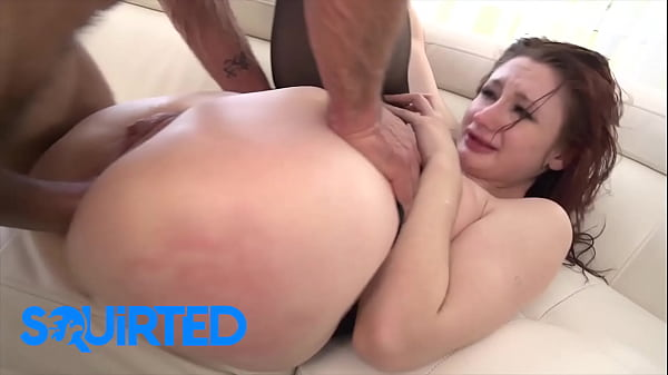 Violet Monroe squirted all over two big dick in...