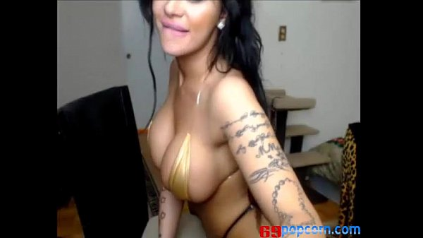 Huge Tits Latina Shakes her Big Booty homemade videos tube - camshow.ml Thumb