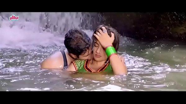 desimasala.co - Akshara singh hot seductive song from bhojpuri movie