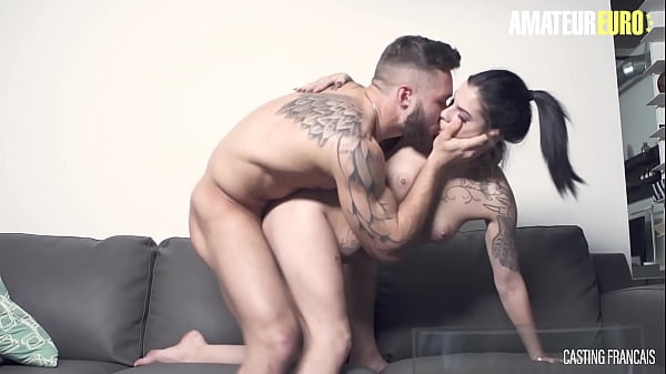 CASTING FRANCAIS - (Sherly Quinn & Morgan) Sexy Canadian Hard Pounded On Casting By A Bodybuilder