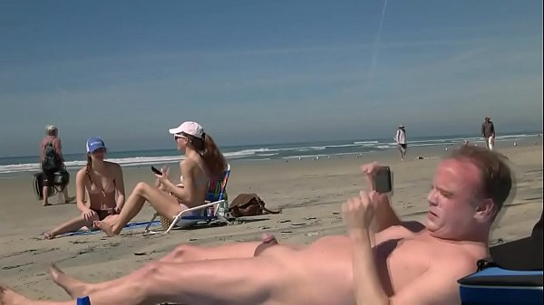 Beach girls laugh at small dick