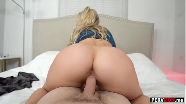 My big round ass MILF stepmom disappointed in dad again
