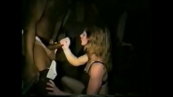 Wife does dogging/cuckold party with big black men