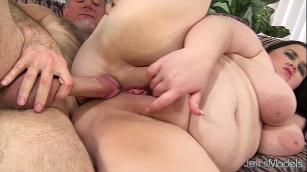 Sexy plumper Holly Jayde hardcore sex Thumb