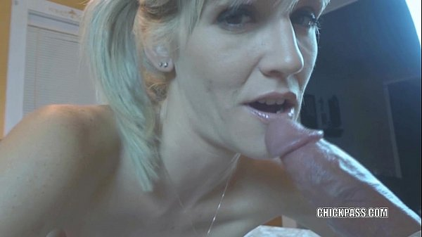 Blonde MILF Jolene takes some dick and gets a c...