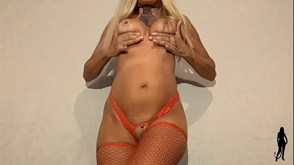 61 year old woman showing her pussy with panties pounded in a sexy dance show
