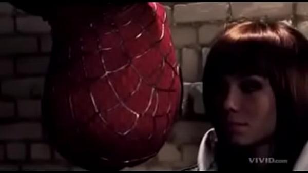La escena más romántica de Spiderman....El hombre araña
