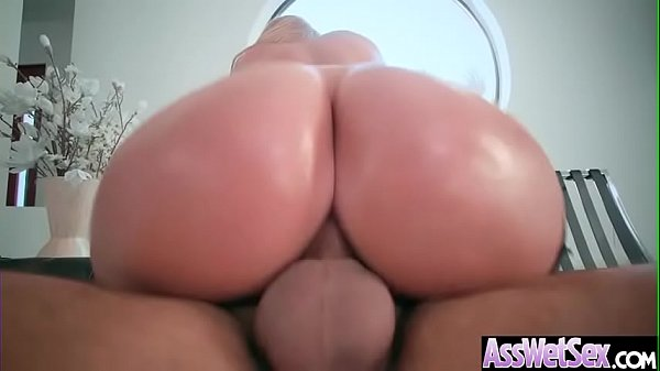 (Brooklyn Chase) Horny Girl With Big Ass Get Oiled And Anal Nailed clip-10