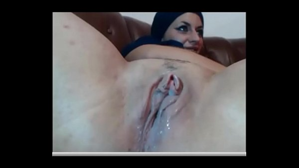 Habiba rubbing her beautiful wet pussy @ www.xchatster.com Thumb
