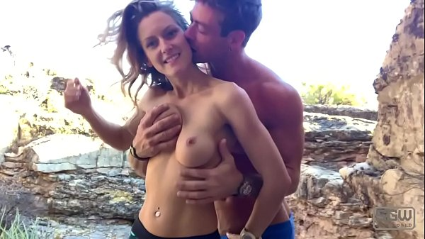 Hot horny couple have quickie outdoors Thumb